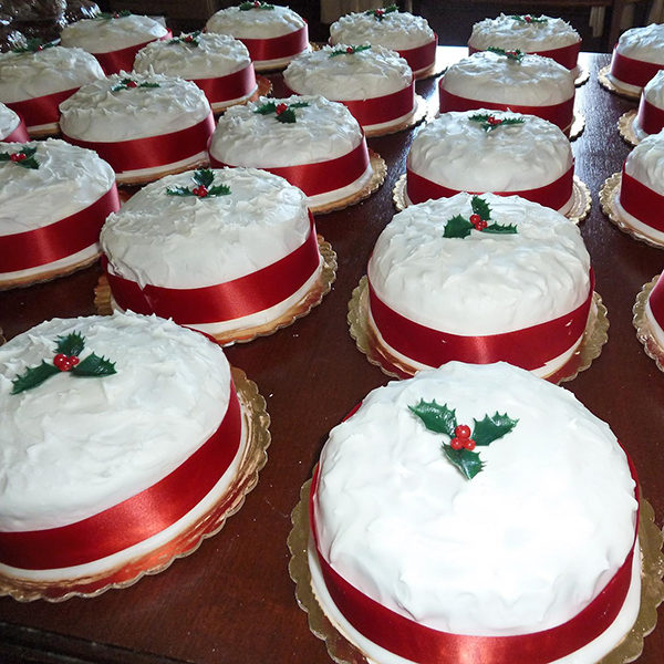 Iced Christmas Cakes. Traditional english fruit cakes